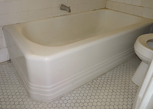 Description:Cast Iron Two Sided Built In Tub. Material:Cast Iron.  Dimension: 66(W) 18(H) 30(D) Location:didnu0027t Get. Quantity:1. Status:n/a